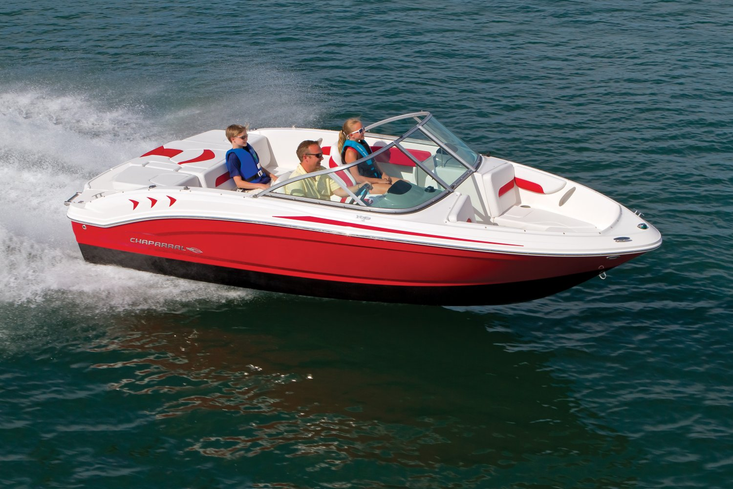 Boat covers for v hull runabouts for Runabout boats with outboard motors
