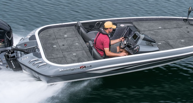 Eevelle Ranger Bass Boat with angled transom Covers