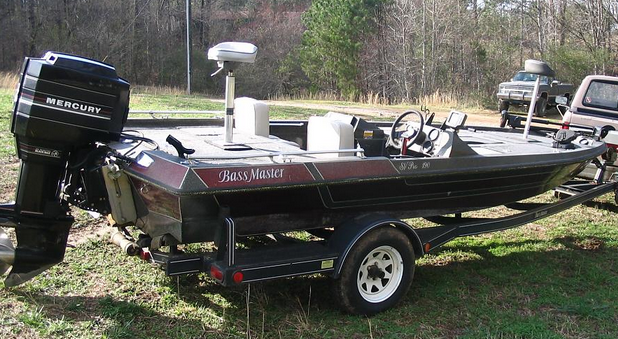 1980 hustler outlaw bass boat this