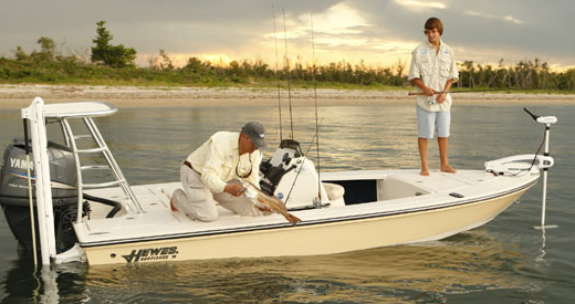 Hewes_Boats