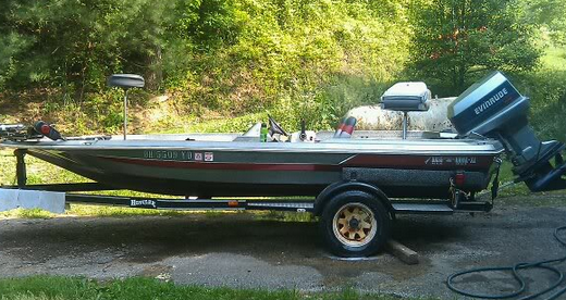 Sexy 1980 hustler outlaw bass boat woman