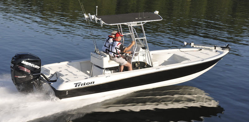 Eevelle Triton Bay Boat with T Top